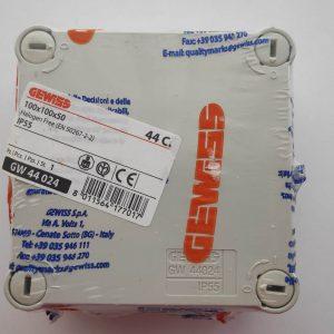 GW44024 GEWISS JUNCTION BOX WITH PLAIN SCREWED LID